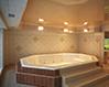Дизайн натяжного потолока в ванной комнате